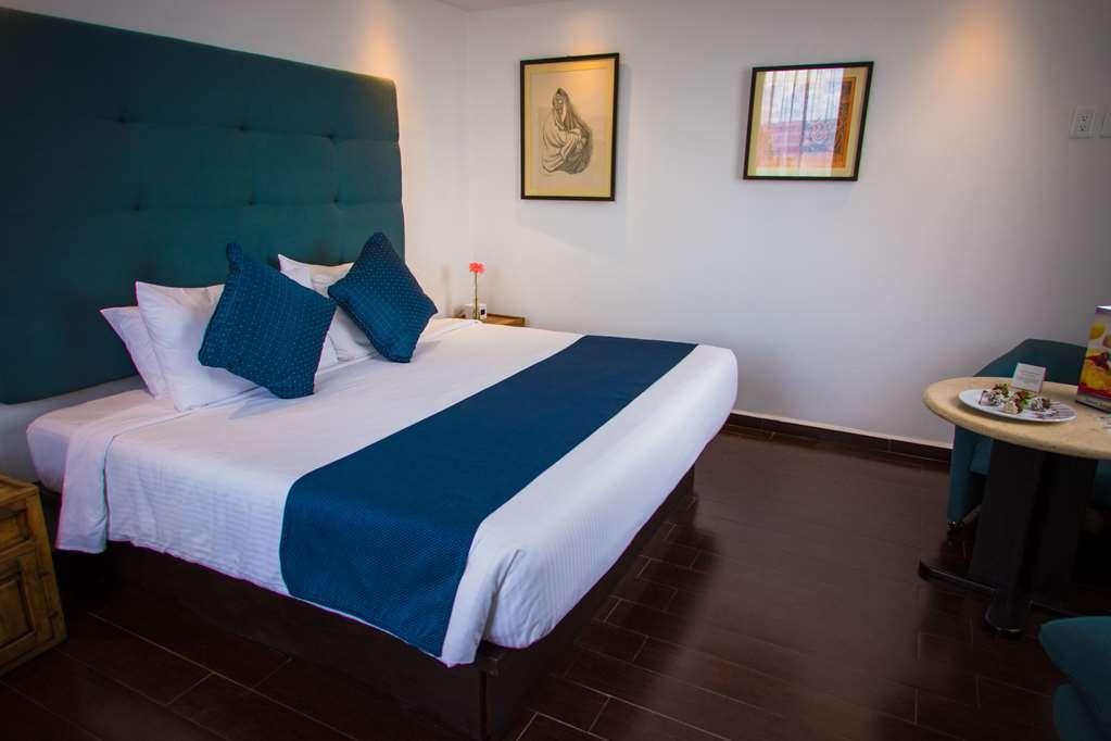Best Western Plus Puebla - King Bed Room on Real Floor