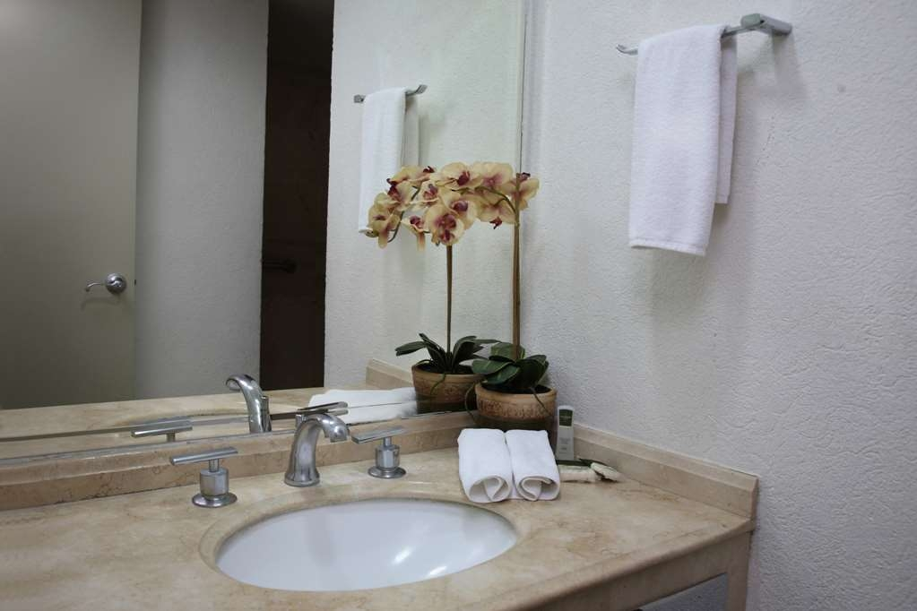 Best Western Hotel Poza Rica - Badezimmer
