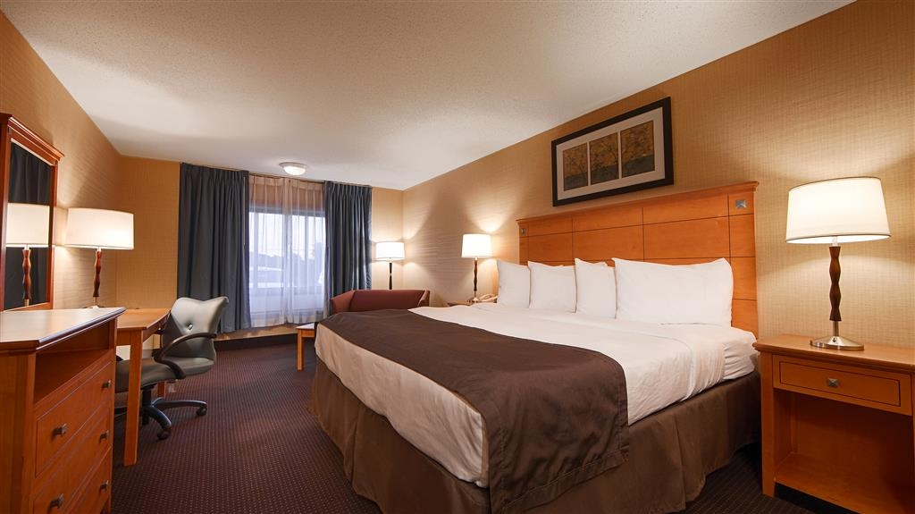 Best Western Danbury/Bethel - Relax the night away in our single bedrooms featuring free wireless internet.