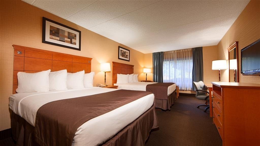 Best Western Danbury/Bethel - Touring the city with a friend? Make a reservation in this double queen bedroom.