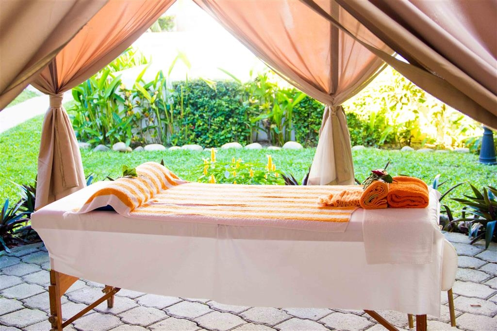Best Western Posada Chahue - Enjoy massage and beauty treatments at the property.