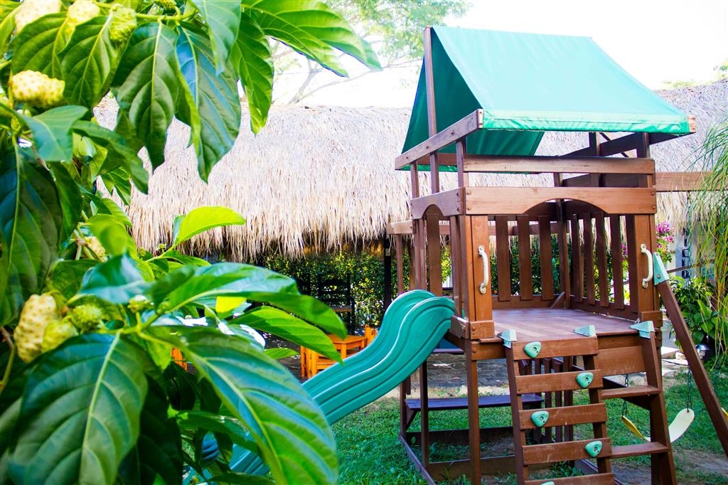 Best Western Posada Chahue - Play, explore and enjoy the playground for kids in the restaurant.