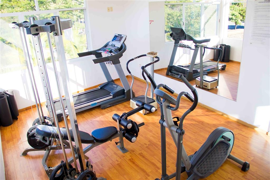 Best Western Posada Chahue - You can choose between walking or running outside or use our gym for cardiovascular and muscle conditioning.
