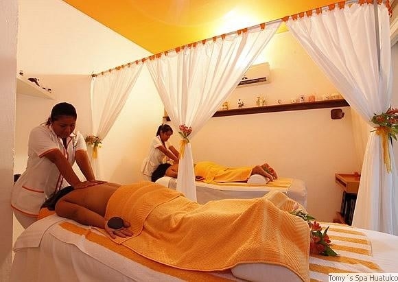 Best Western Posada Chahue - Massage on the property