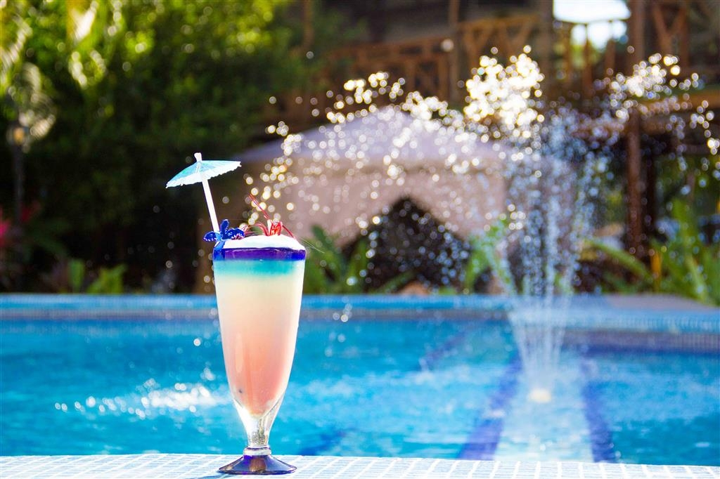 Best Western Posada Chahue - Heat, fresh water and delicious drinks are part of your work day.