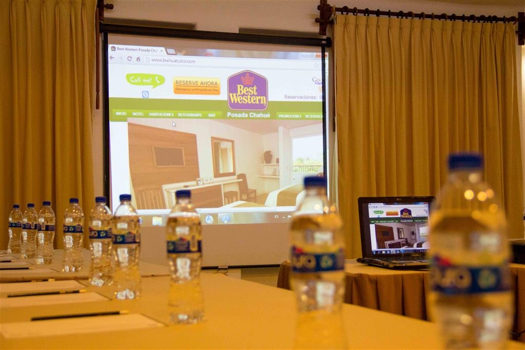Best Western Posada Chahue - This room is great for petit committees, meetings and job boards. Meetings for up to 60 people, audio/visual equipment is available.