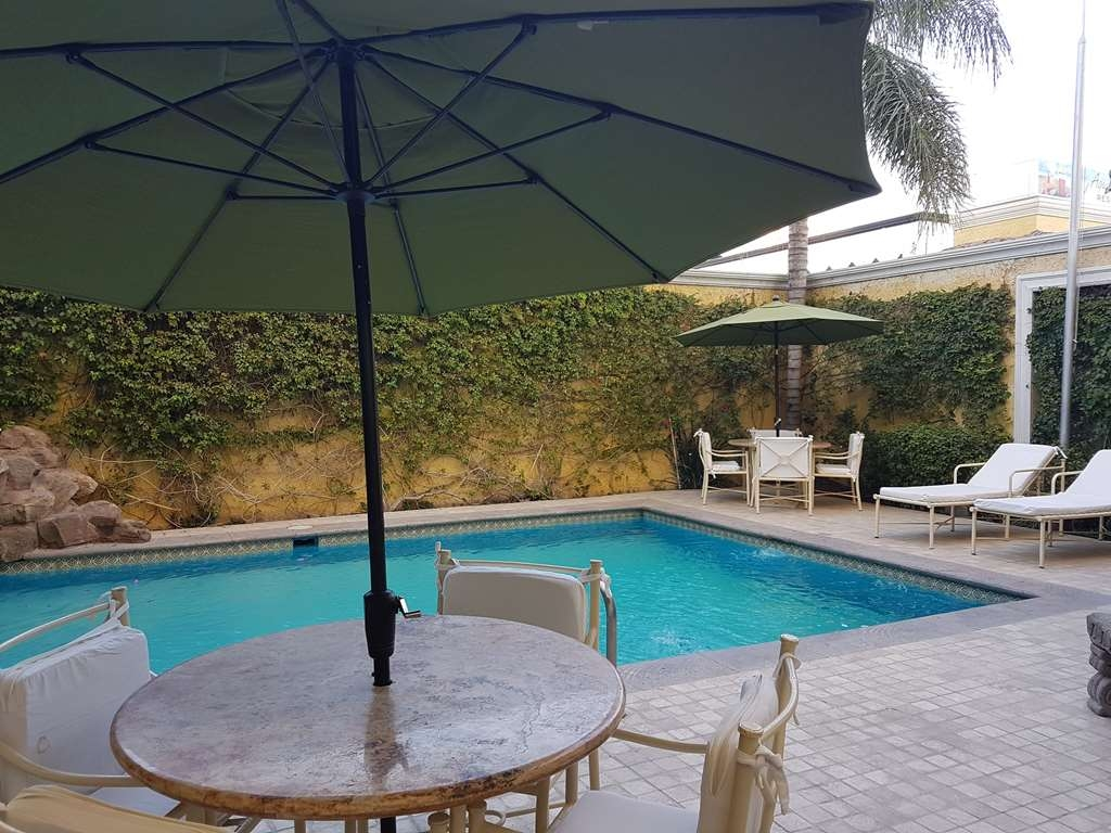 Best Western Hotel Posada Del Rio Express - Outdoor swimming pool area