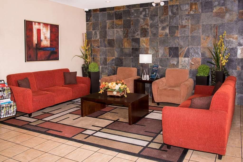 Best Western Plus Monterrey Airport - Lobby