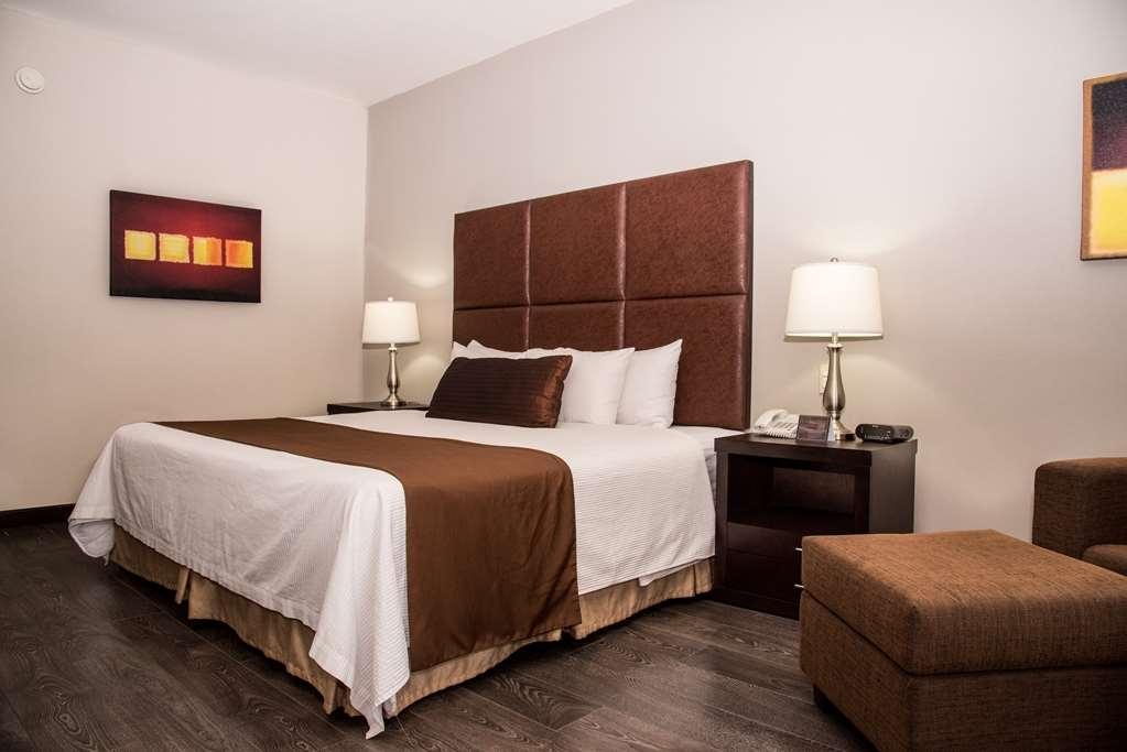 Best Western Plus Monterrey Airport - 1 King bed non smoking
