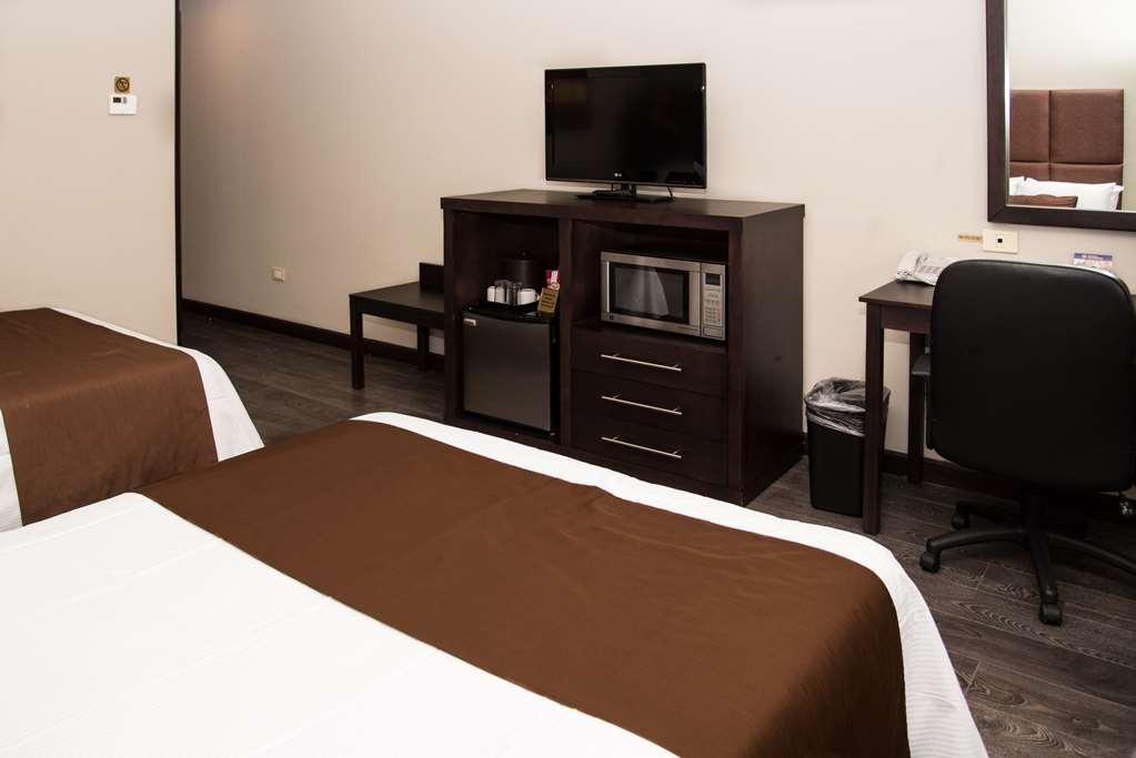 Best Western Plus Monterrey Airport - 2 double bed non smoking