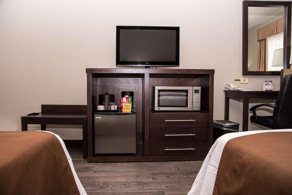 Best Western Plus Monterrey Airport - 2 double beds non smoking