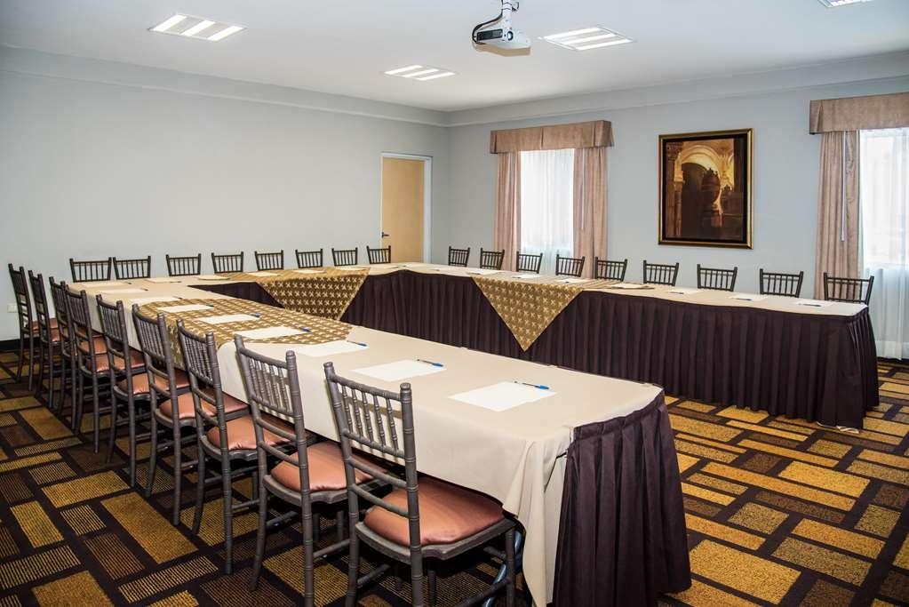 Best Western Plus Monterrey Airport - meeting room