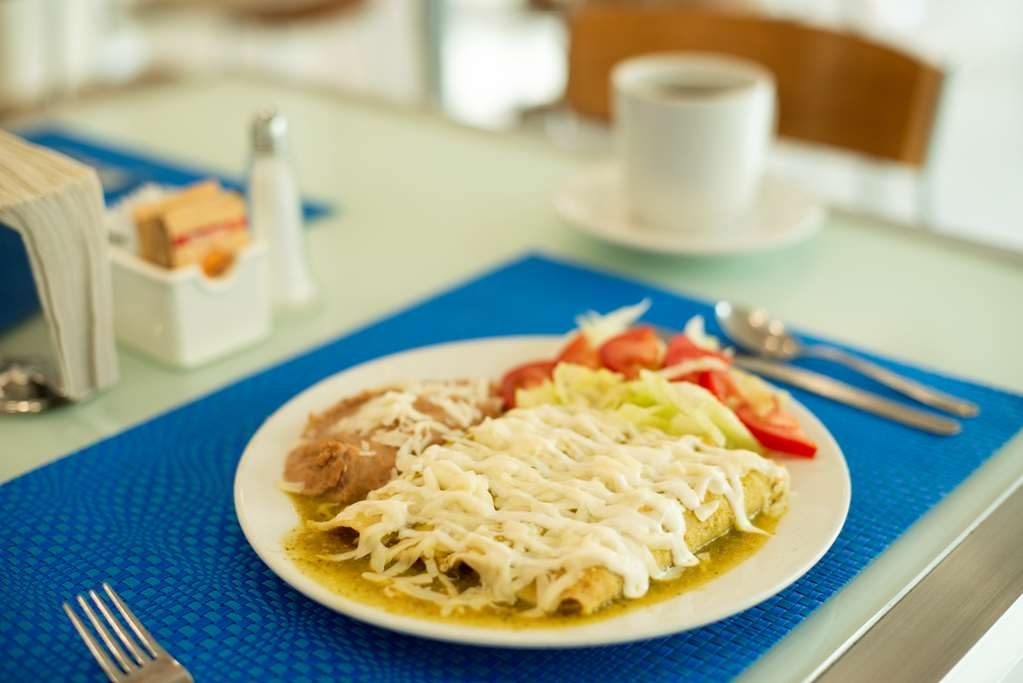 Best Western Centro Monterrey - Traditional Mexican Dishes