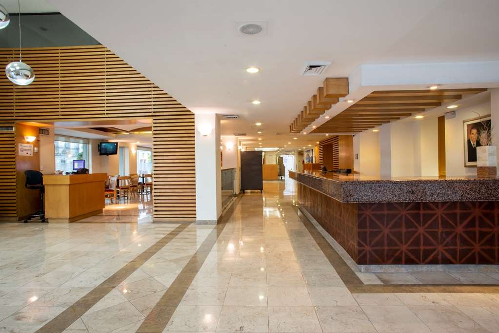 Best Western Plaza Monterrey - Entrance