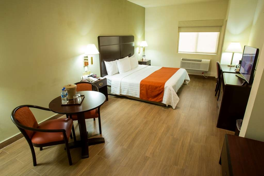 Best Western Plaza Monterrey - Superior Guest Room with a king bed