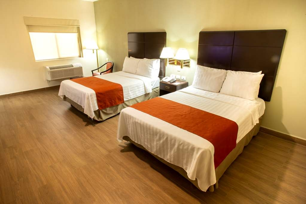 Best Western Plaza Monterrey - Superior Guest Room with two king beds