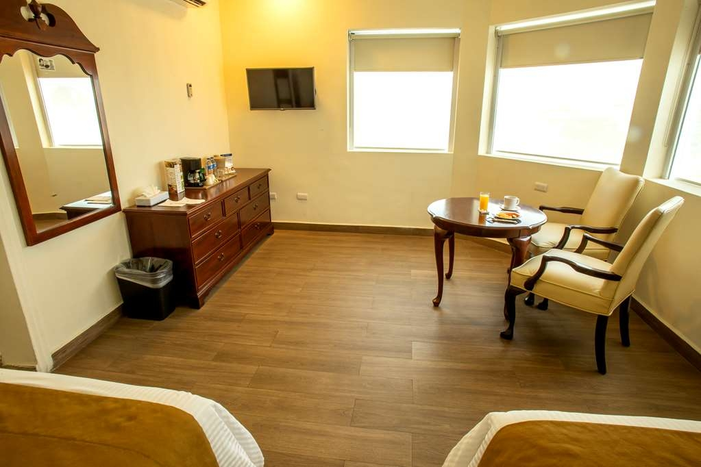 Best Western Plaza Monterrey - Standard Double Room