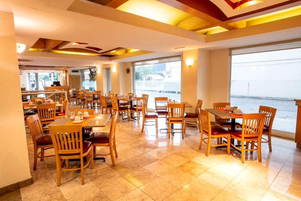 Best Western Plaza Monterrey - Restaurant / Gastronomie