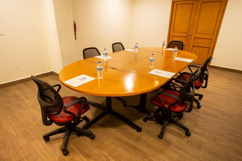 Best Western Plaza Monterrey - Meeting Room