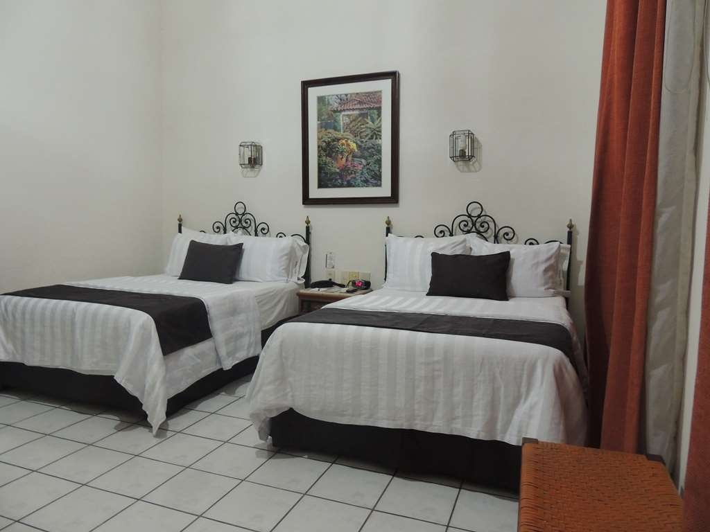 Best Western Plus Hotel Ceballos - 2 Double beds, aircon, frwhpd, 40 tv