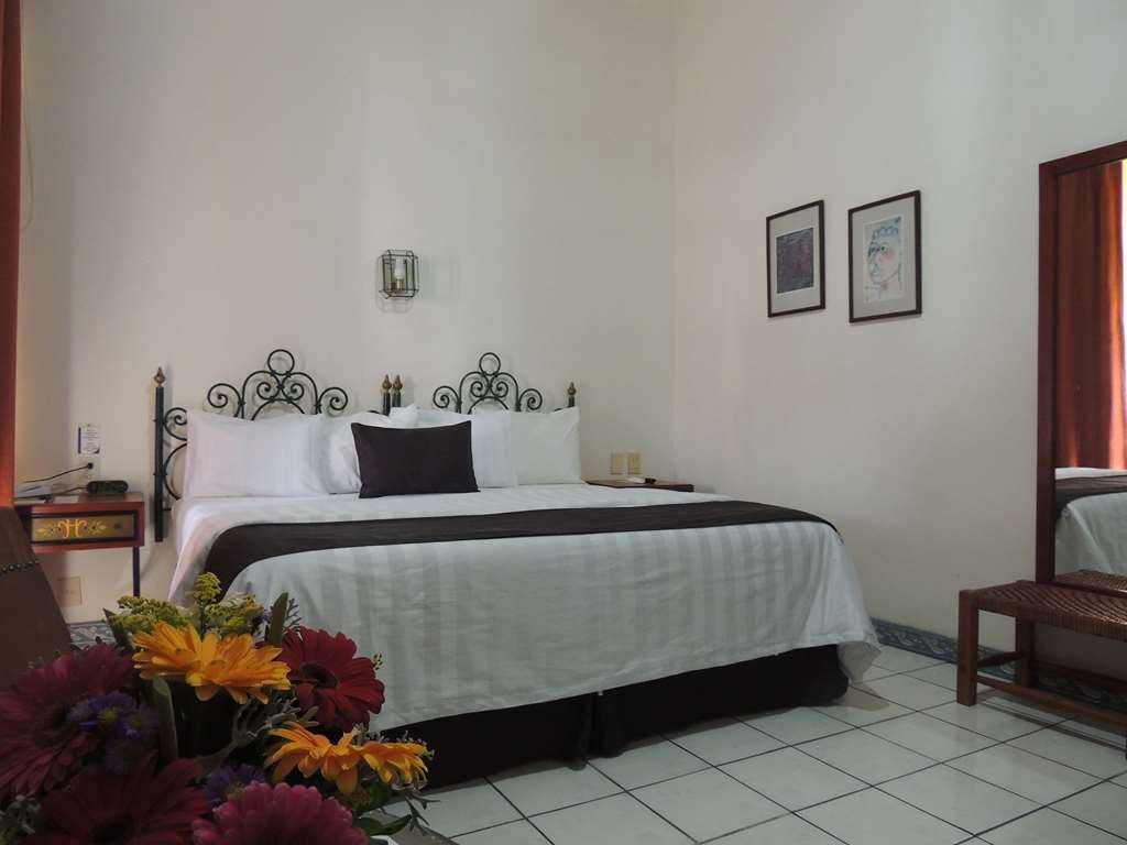 Best Western Plus Hotel Ceballos - 1 King bed,aircon,frwhpd,40 tv