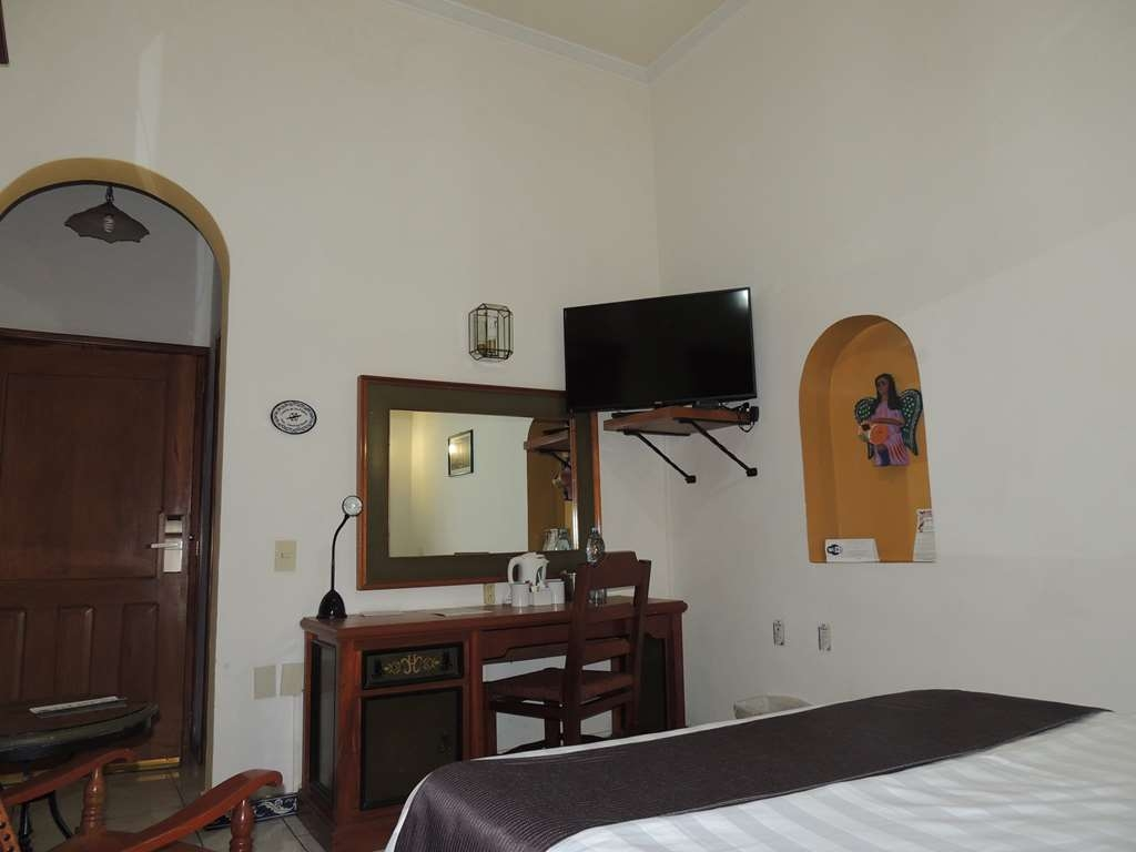 Best Western Plus Hotel Ceballos - 1 Double bed, non smoking, with work desk