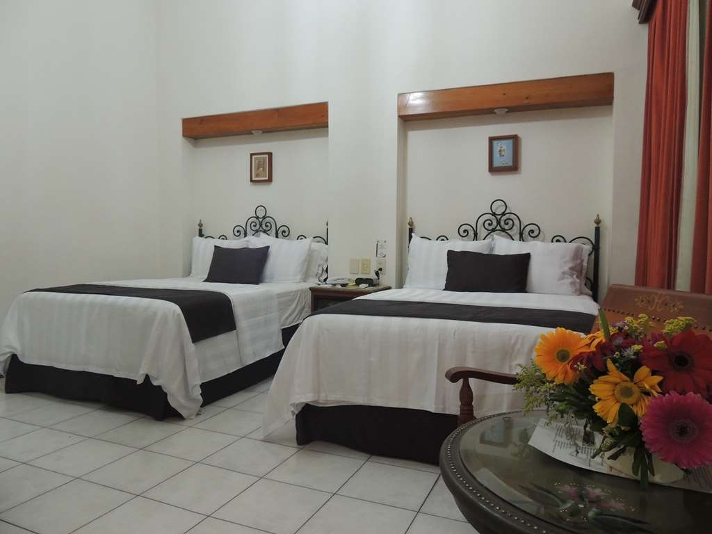 Best Western Plus Hotel Ceballos - 2 Double beds, non smoking, aircon, frwhpd, 40 TV