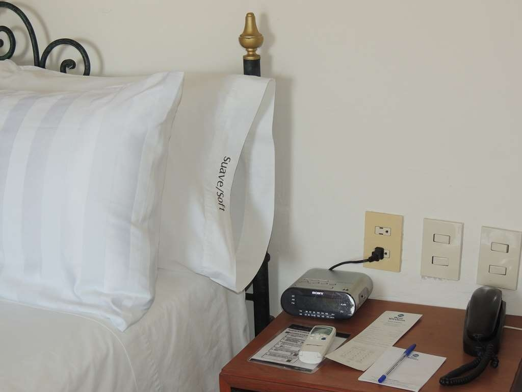 Best Western Plus Hotel Ceballos - 2 Kind of pillows