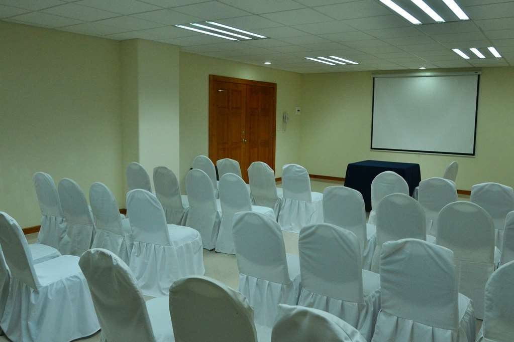 Best Western Plus Plaza Vizcaya - Rio De La Loza Event Room