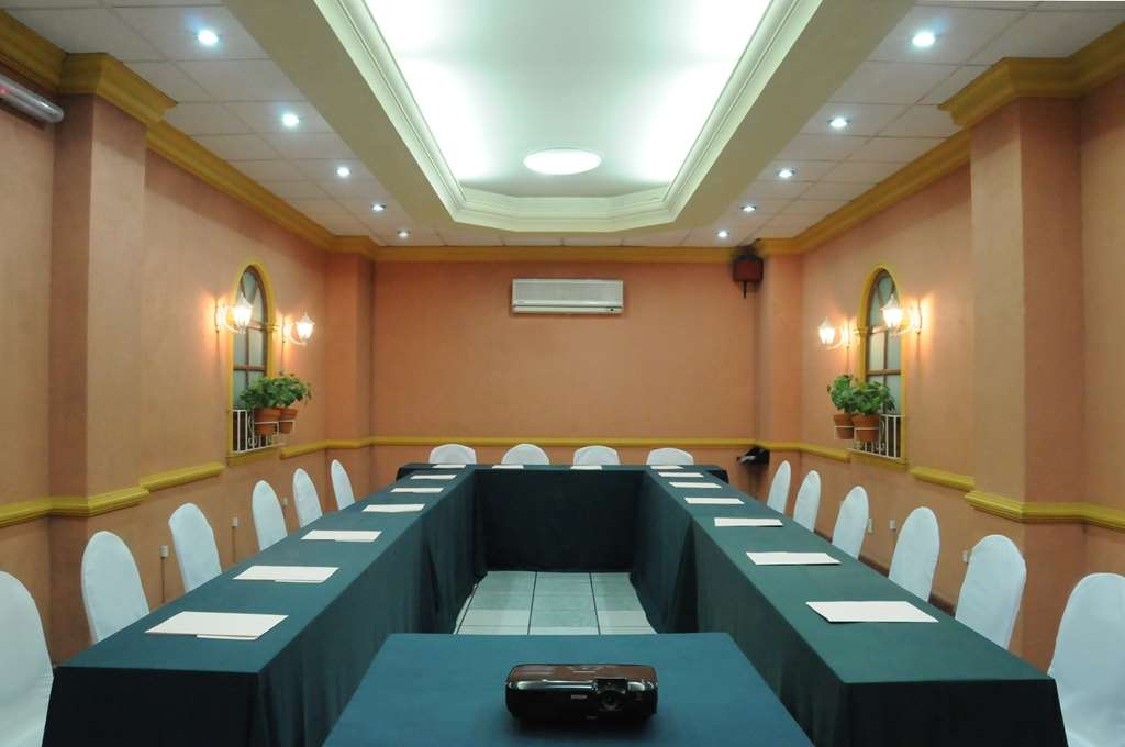 Best Western Plus Plaza Vizcaya - Salle de réunion