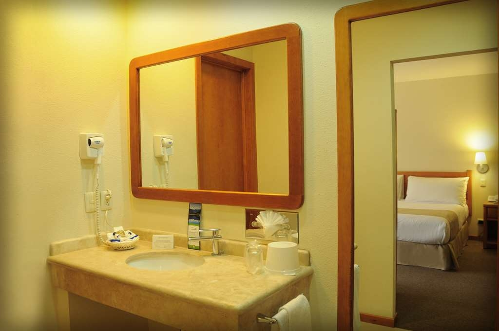 Best Western Plus Plaza Vizcaya - junior suite-baño