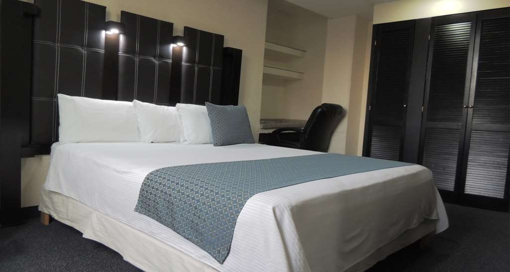 Best Western Real Tula Express - Queen Bed Guest Room