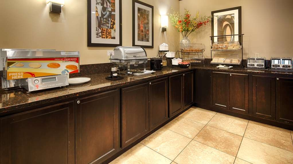 Best Western Executive Hotel of New Haven-West Haven - Frühstücksbuffet