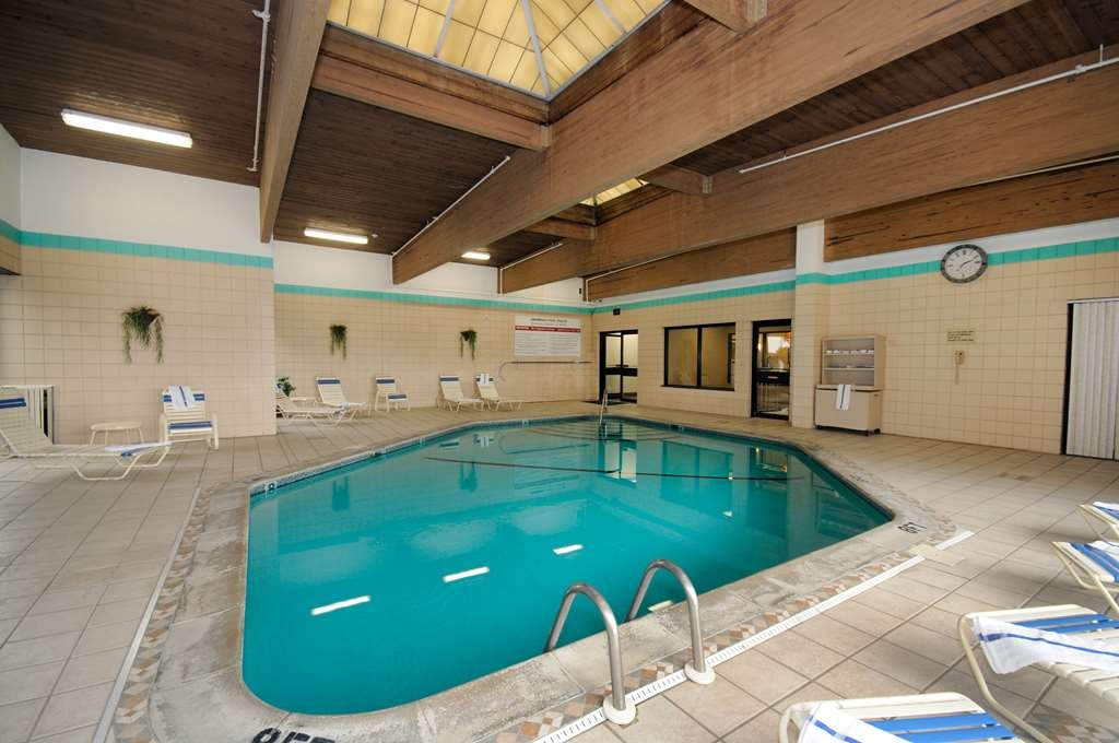 Best Western Executive Hotel of New Haven-West Haven - Poolbereich