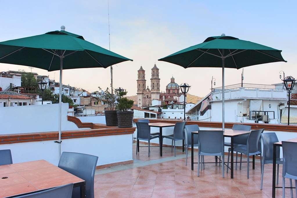 Best Western Taxco - Relax and enjoy the sunset in the heart of Taxco.