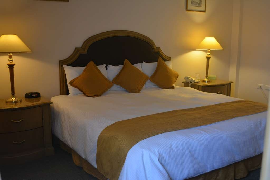 Best Western Centro Cadereyta - Standard King Bed Guest Room