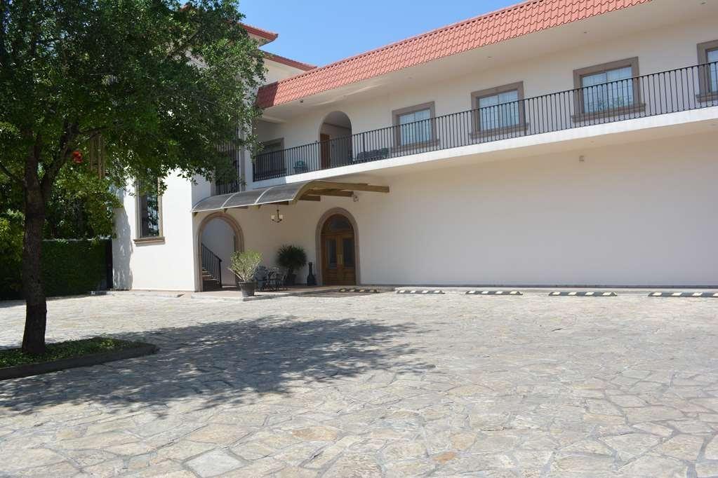 Best Western Centro Cadereyta - Facciata dell'albergo