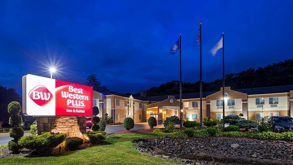 Best Western Plus New England Inn & Suites - Vista exterior