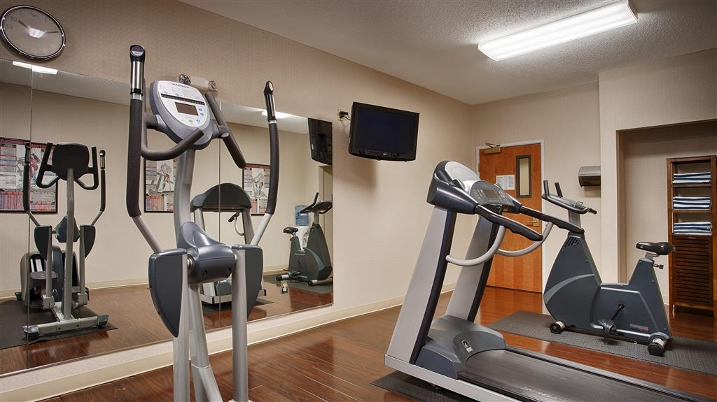 Best Western Plus New England Inn & Suites - exercise chambre