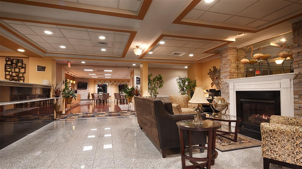 Best Western Plus New England Inn & Suites - reception