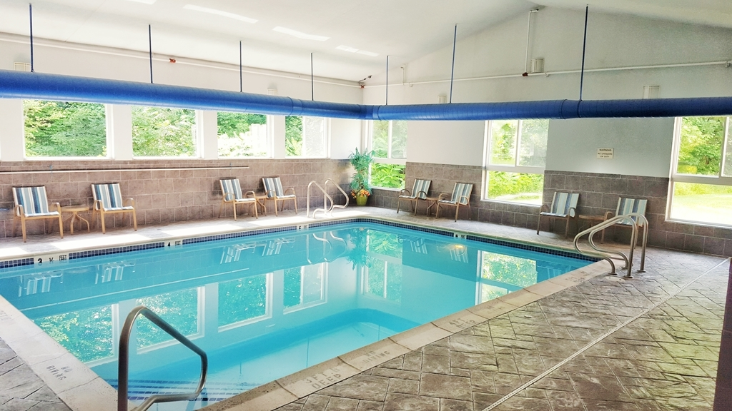 Best Western Plus New England Inn & Suites - Relax and take a dip in our indoor pool. Open year round!