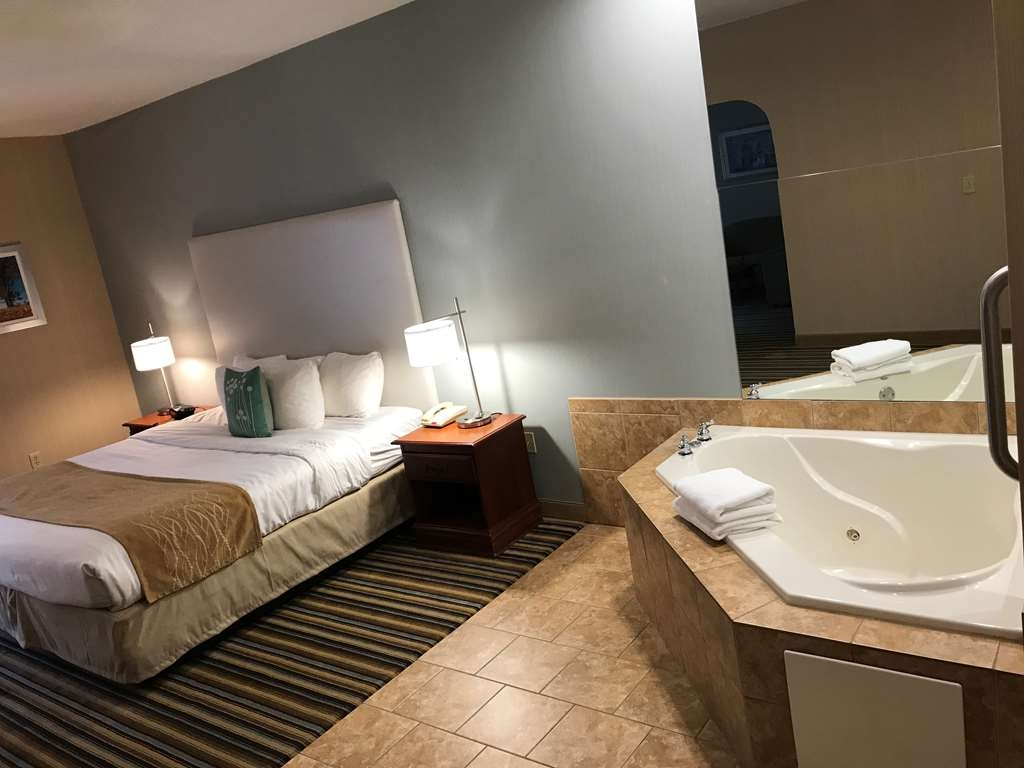 Best Western Plus New England Inn & Suites - Book our king bedroom and relax the night away in our in-room whirlpool spa.