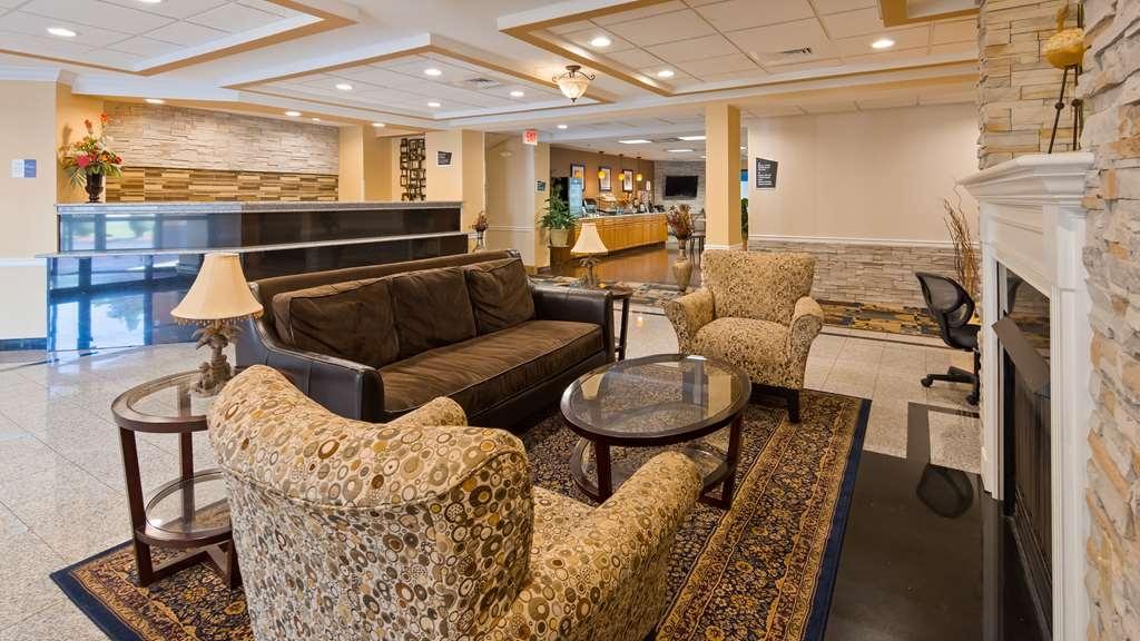 Best Western Plus New England Inn & Suites - Vue du lobby