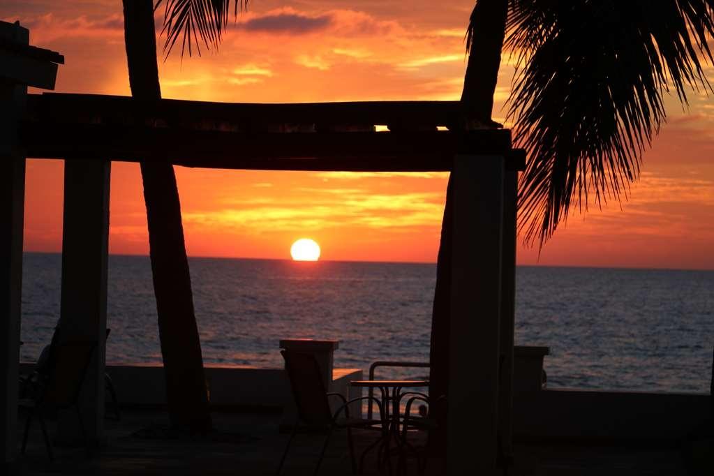 Best Western Hotel Posada Freeman Zona Dorada - Beach Area