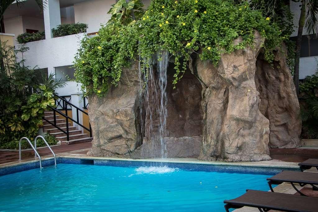 Best Western Hotel Posada Freeman Zona Dorada - Poolansicht