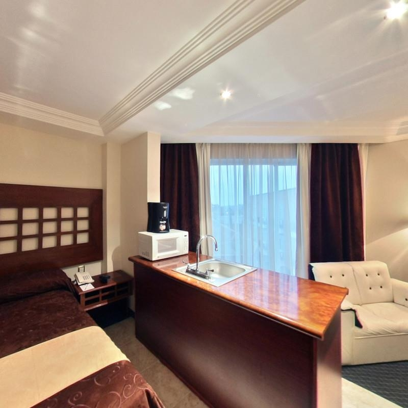 Best Western Toluca - Jr. Suite with Kitchen
