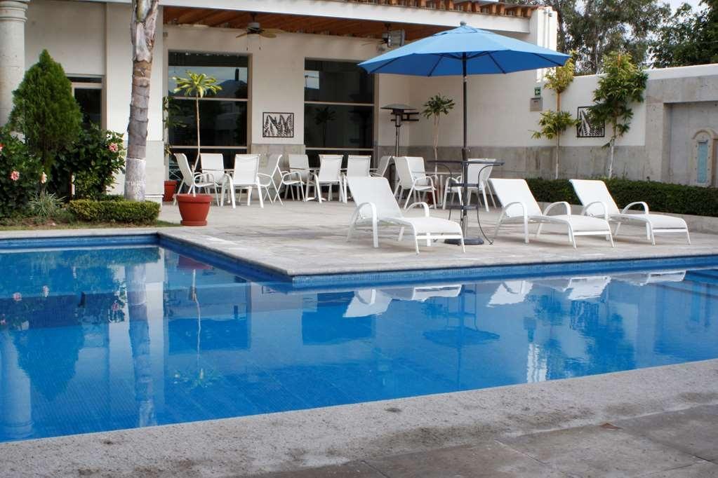 Best Western Tequisquiapan - Vista de la piscina
