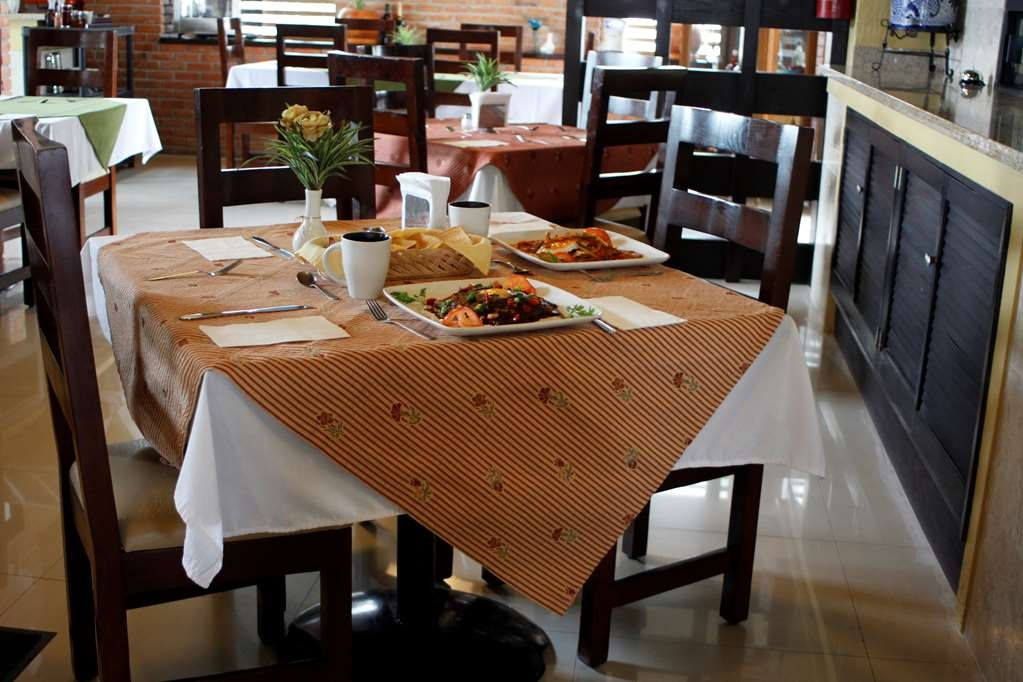 Best Western Tequisquiapan - Restaurant / Etablissement gastronomique