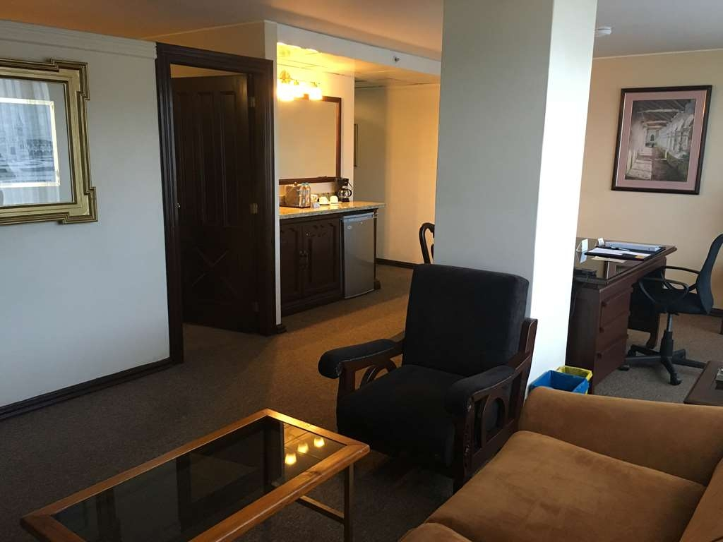 Best Western CPlaza Hotel - Suite