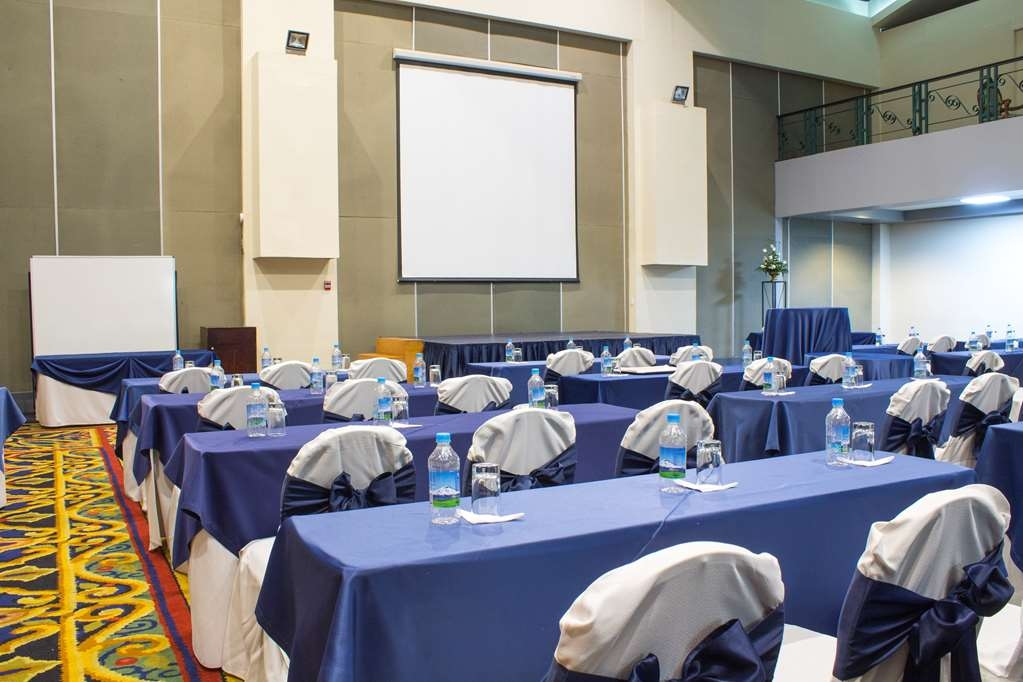 Best Western CPlaza Hotel - Meeting Room